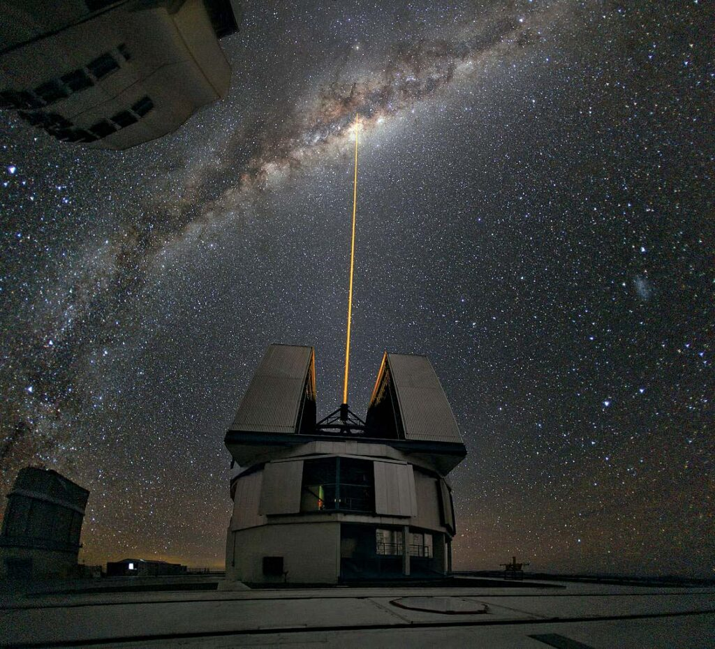This image has an empty alt attribute; its file name is Very-Large-Telescope-1024x930.jpg